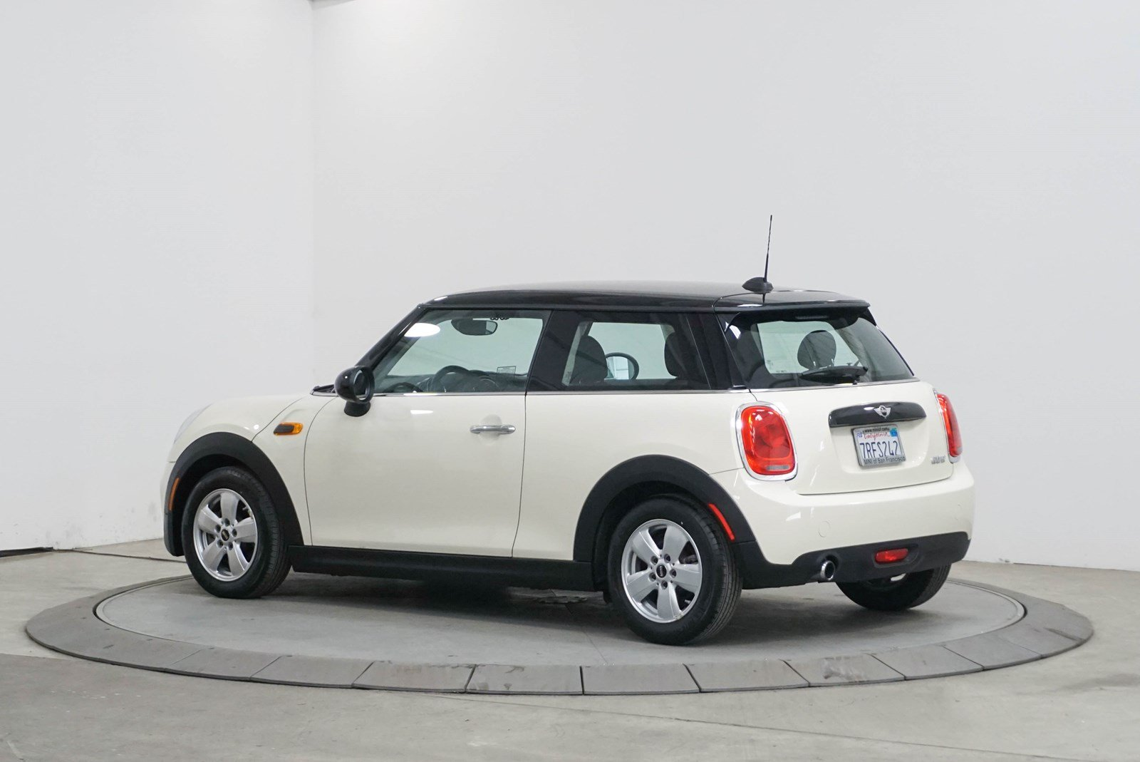 Certified Pre-Owned 2016 MINI Hardtop 2 Door Cooper